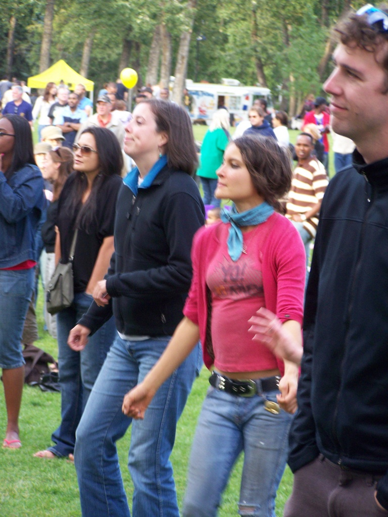 Crowd dance 2