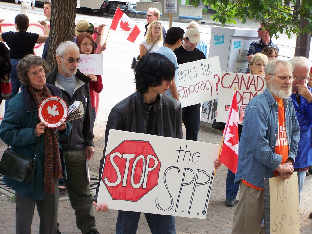Anti-SPP crowd outside US consulate