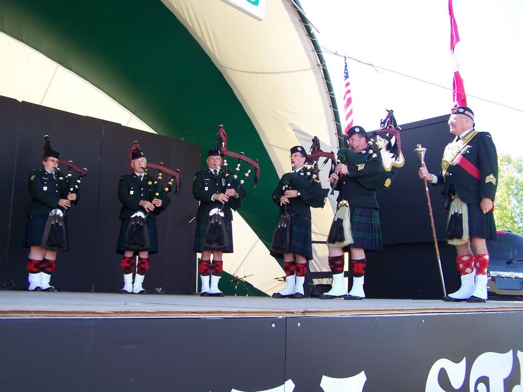 Regimental Pipes 10