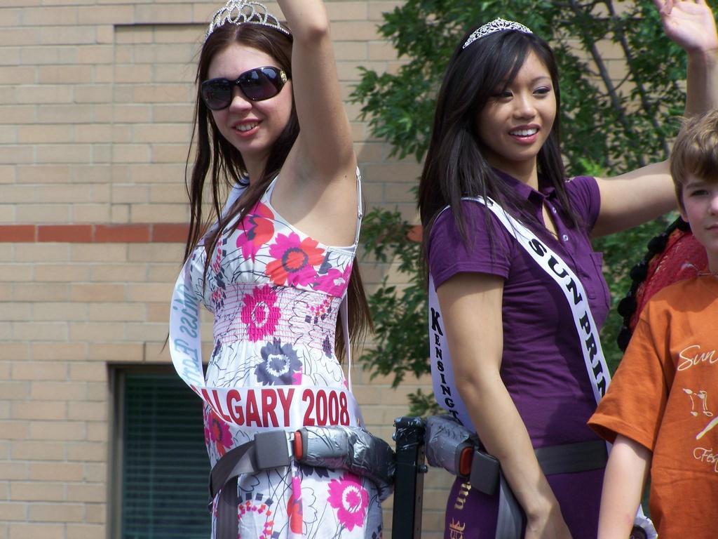 Lisa Harrigan and Jessica Tsang