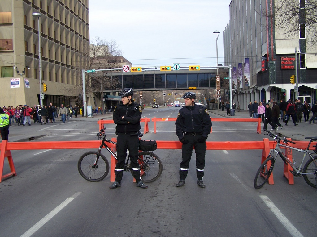 Bylaw officers on Macleod Trail