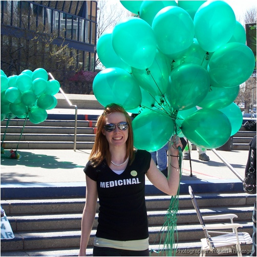 99 Green Balloons