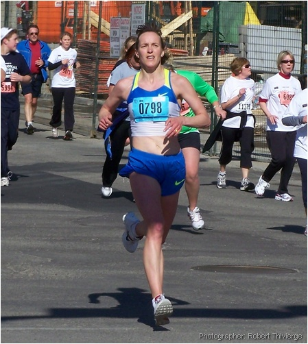 Lisa Harvey in Calgary 10K run