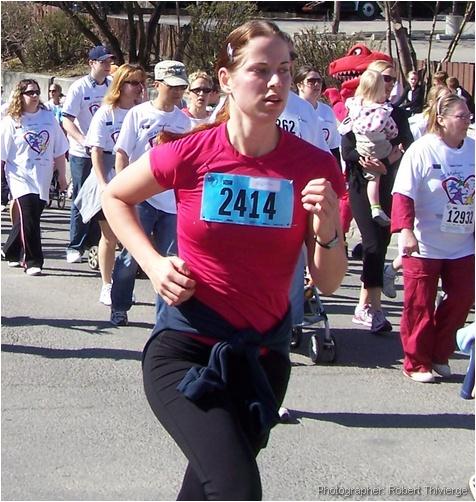 10K Runner nears finish