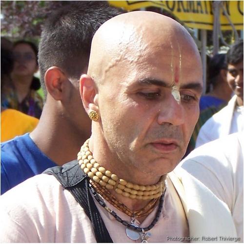 Rath Yatra 2009 Krishna follower