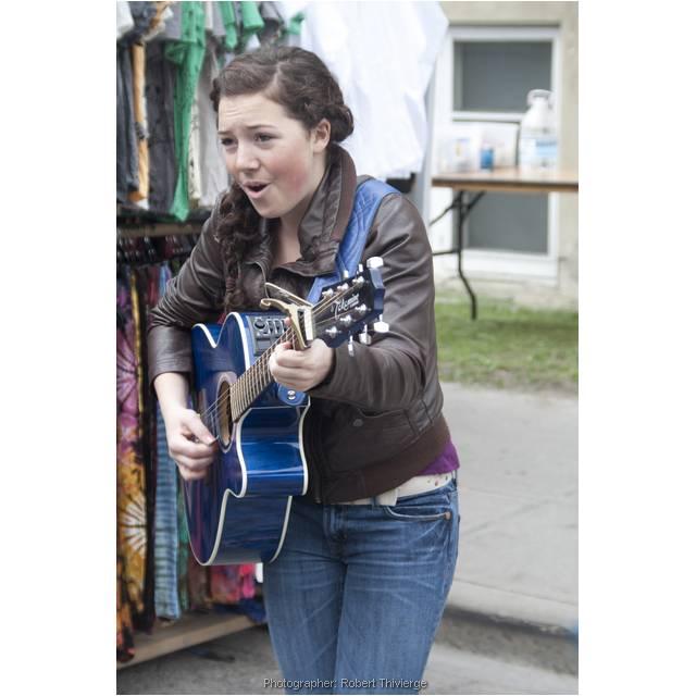 Guitar Busker at Lilac