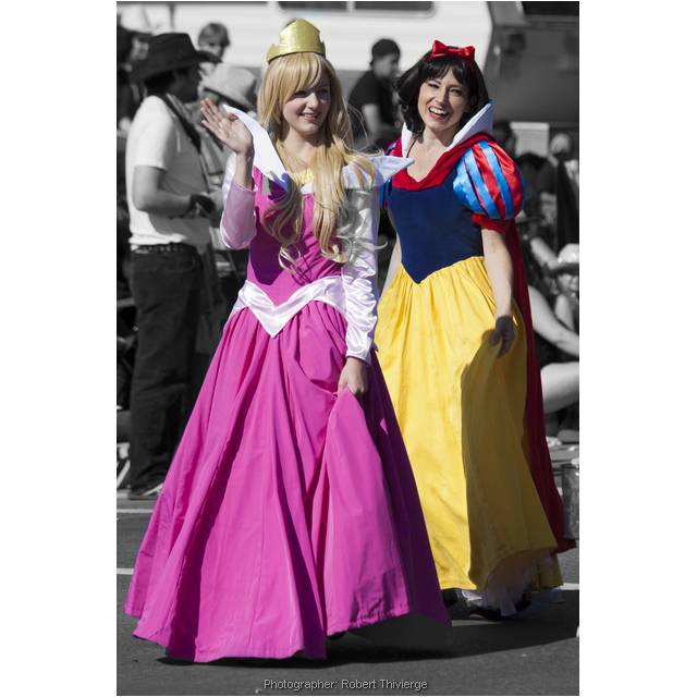 Aurora (Sleeping Beauty) and Snow White
