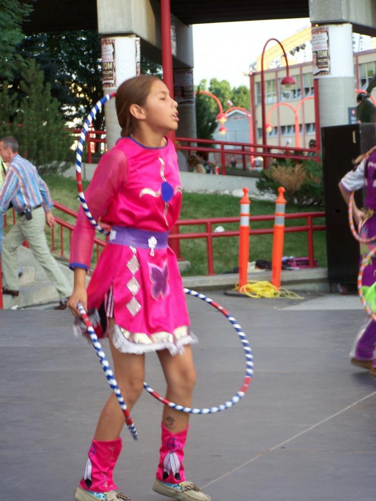 Hoop Dancer 2007-07-14 49