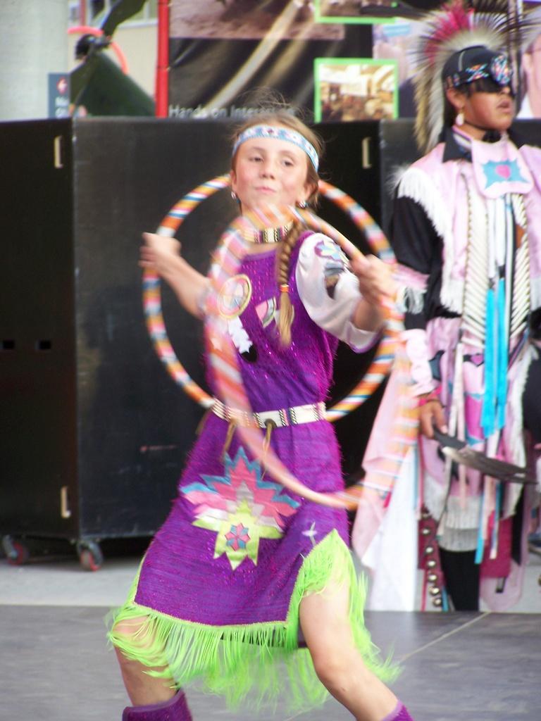 Hoop Dancer 2007-07-14 48