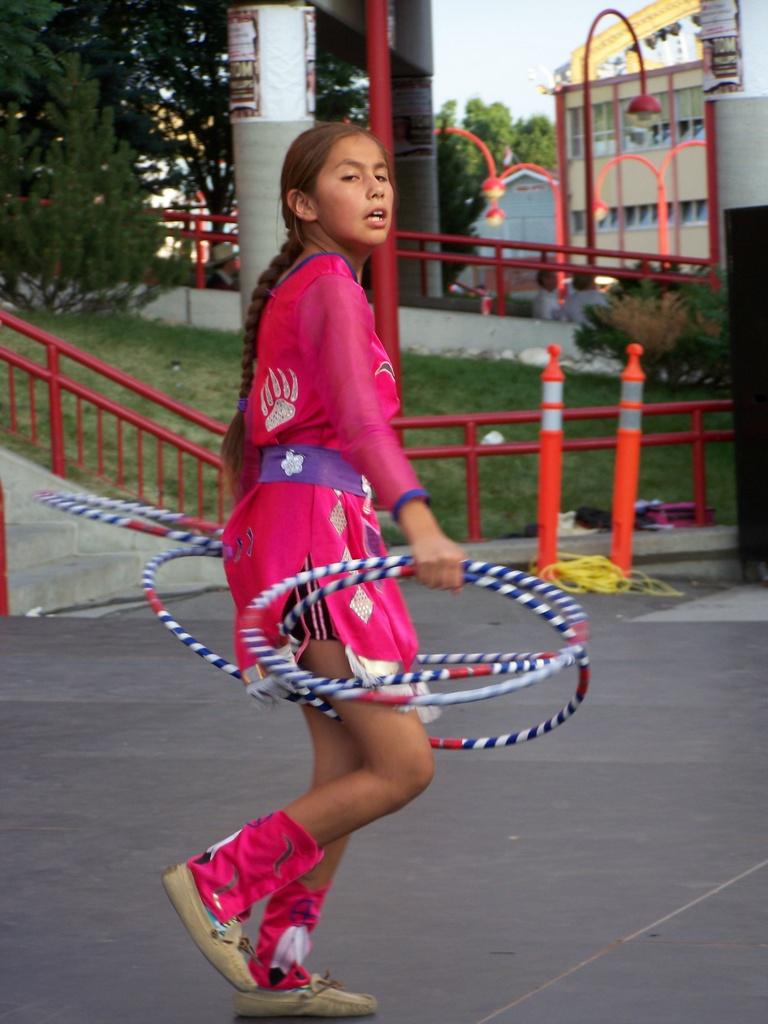 Hoop Dancer 2007-07-14 53