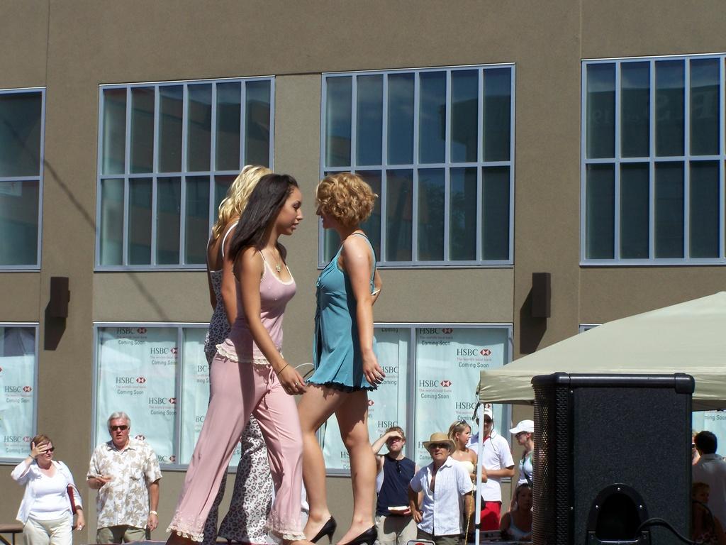 Sun and Salsa 2007 056