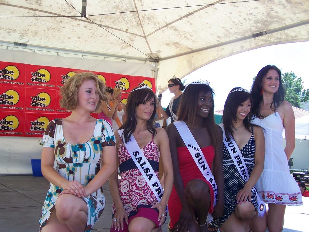 Amoreena, Veronica, Adwoa, Jessica, and Lauren